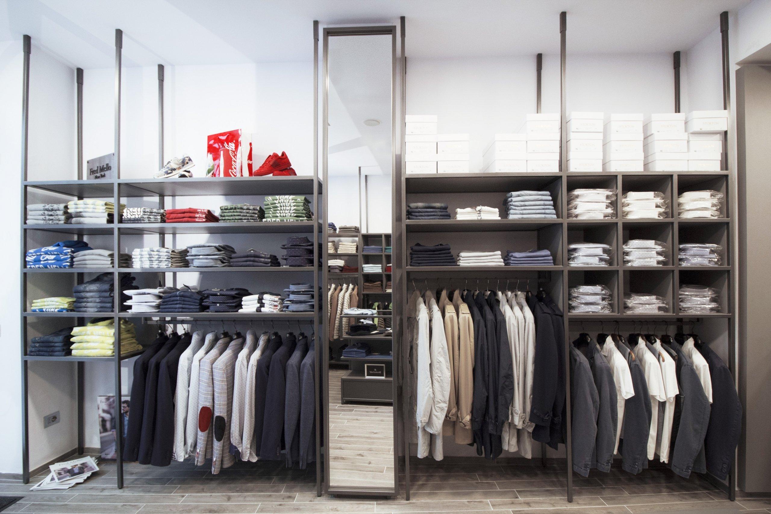 LSC-allestimento-negozio-abbiategrasso-IMG_1478