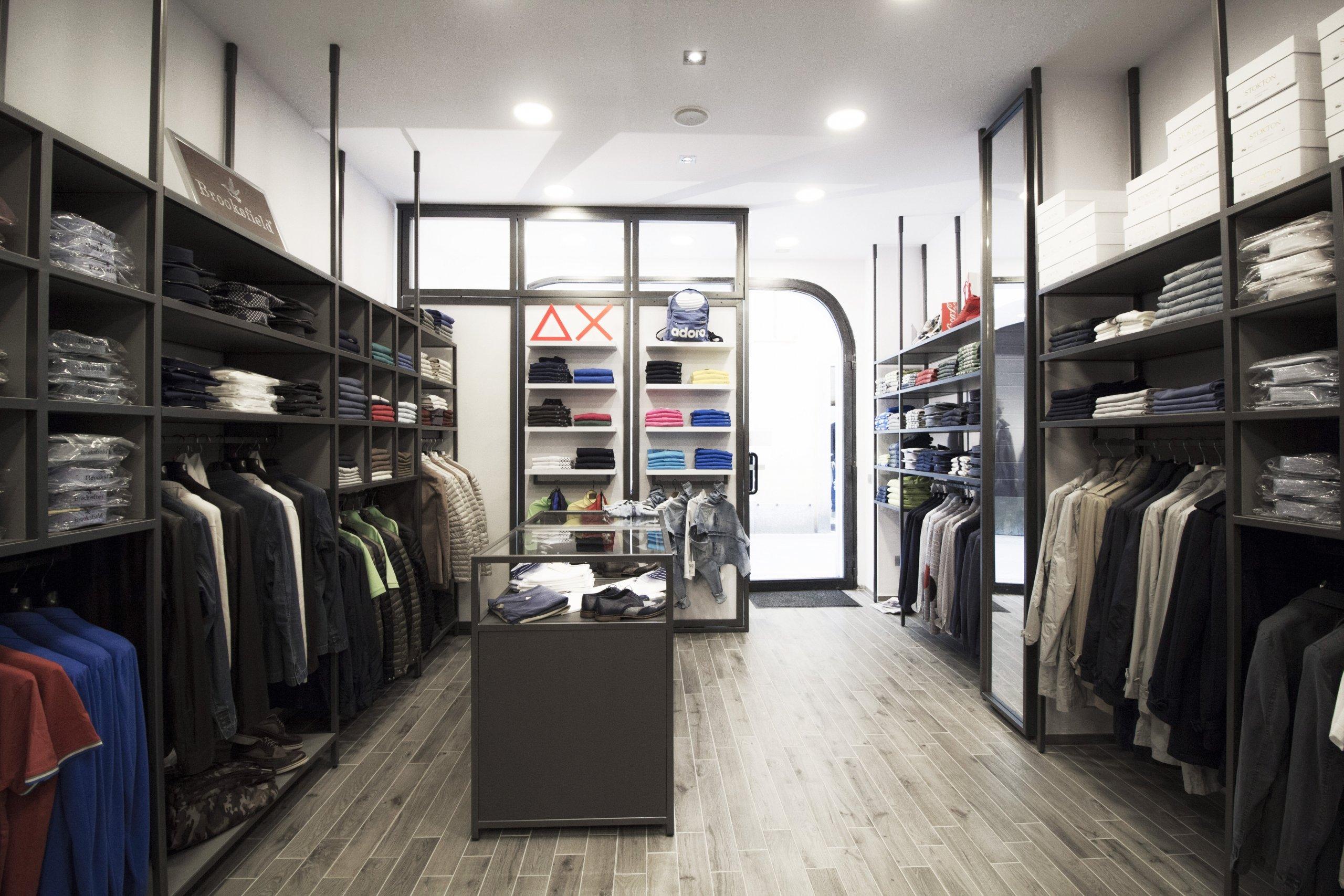 LSC-allestimento-negozio-abbiategrasso-IMG_1519