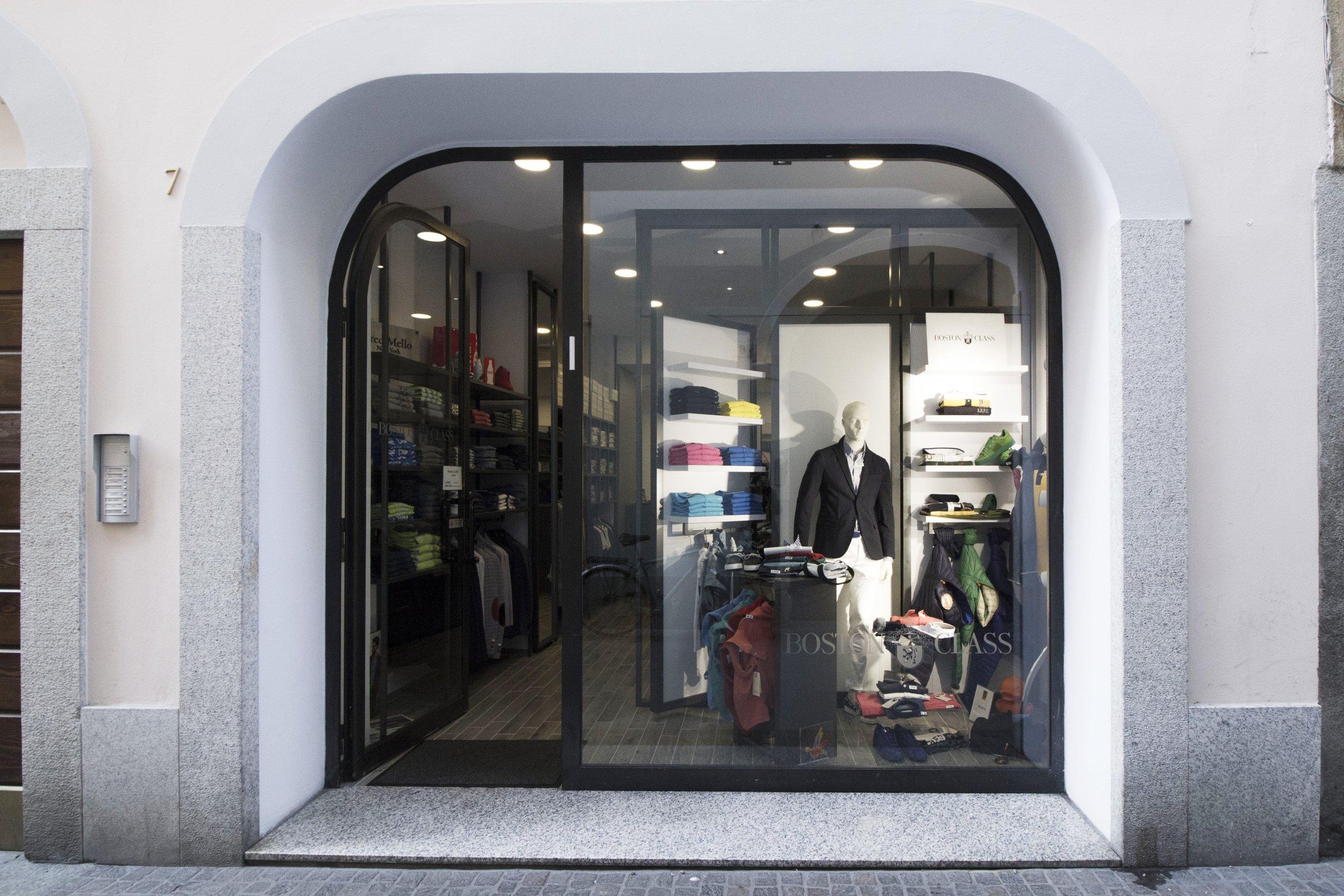 LSC-allestimento-negozio-abbiategrasso-IMG_1549